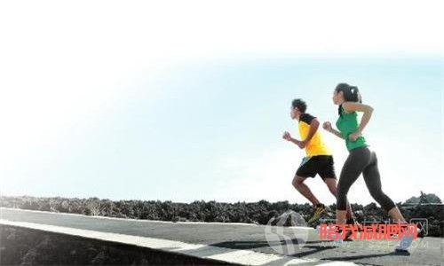 跑步前如何做热身运动.jpg